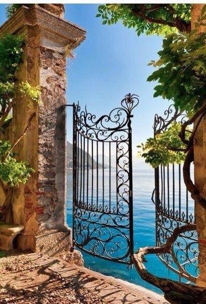 Десять самых красивых озер Италии