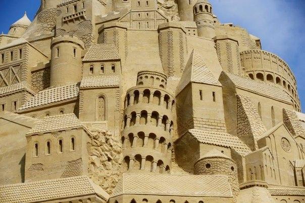 В Германии соорудили самый высокий песочный замок. В Германии соорудили самый 4