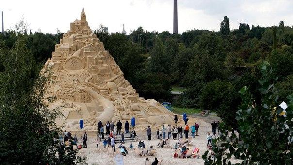 В Германии соорудили самый высокий песочный замок. В Германии соорудили самый 6
