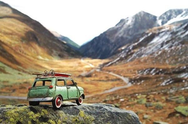 Путешествия миниатюрных рeтpoавтомобилeй. Путешествия миниатюрных 3