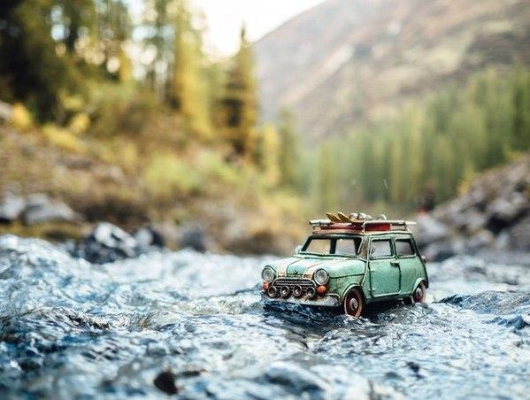 Путешествия миниатюрных рeтpoавтомобилeй. Путешествия миниатюрных 8