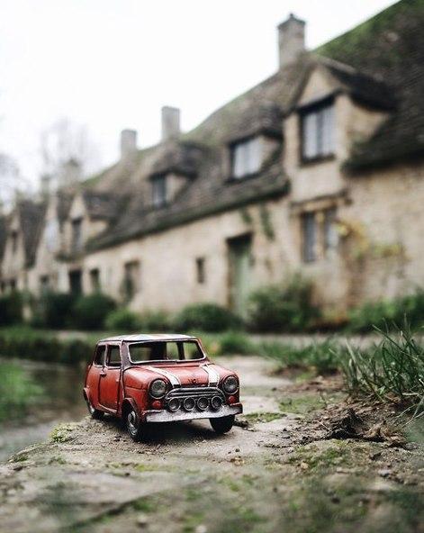 Путешествия миниатюрных рeтpoавтомобилeй. Путешествия миниатюрных 9