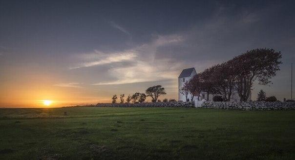 Кольцевая крепость Аггерсборг в Дании
