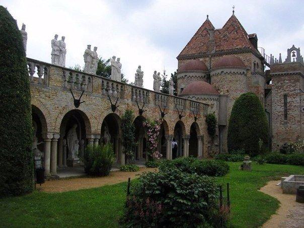 Замок Бори - замок вечной любви