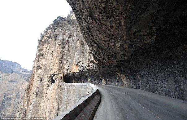 800 китайцев построили дорогу за 50 лет. 800 китайцев построили дорогу 1