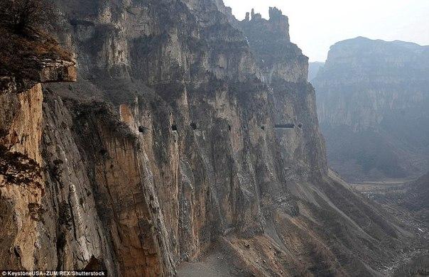 800 китайцев построили дорогу за 50 лет. 800 китайцев построили дорогу 5