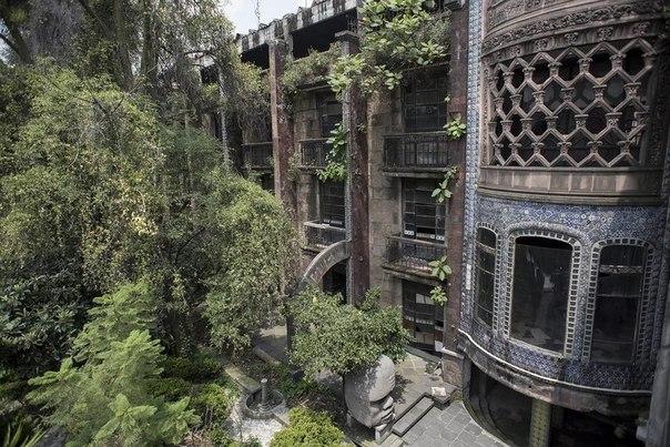 Удивительный заброшенный отель Ла Посада дель Соль. Удивительный заброшенный отель 5
