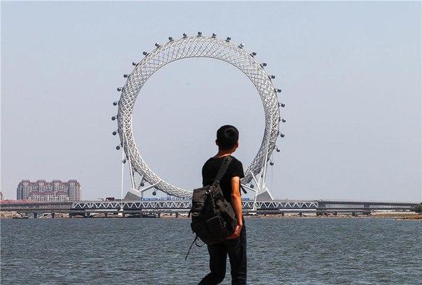 В Китае появилось безосевое колесо обозрения. В Китае появилось безосевое 7