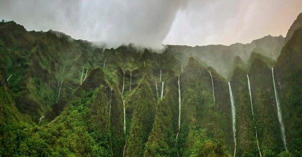 Водопад Хонокохау — доисторические пейзажи эпохи динозавров. Водопад Хонокохау — 4