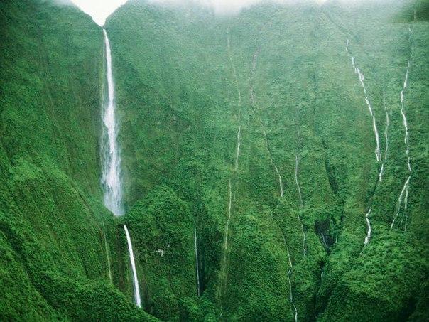 Водопад Хонокохау — доисторические пейзажи эпохи динозавров. Водопад Хонокохау — 5