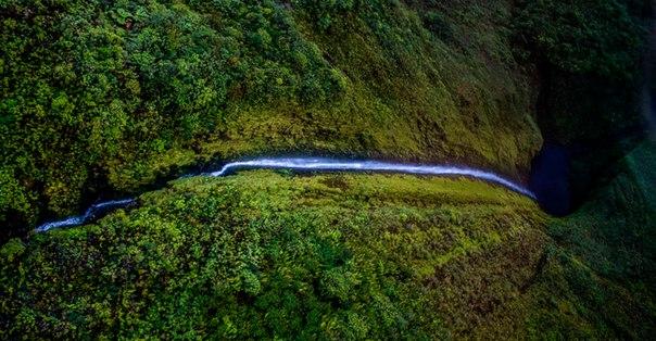Водопад Хонокохау — доисторические пейзажи эпохи динозавров. Водопад Хонокохау — 8