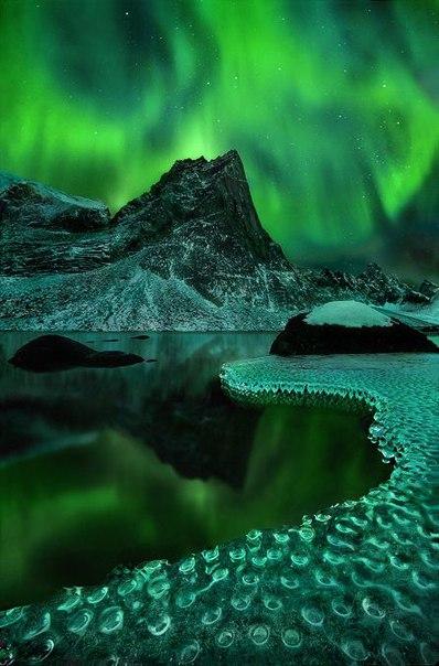 Северное сияние – одно из самых потрясающих природных явлений. Северное сияние – одно из 2