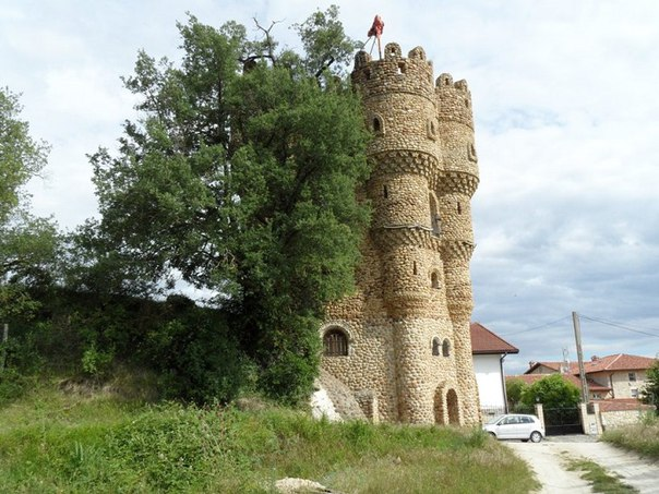 Испанец самостоятельно построил замок за 20 лет. Испанец самостоятельно 3
