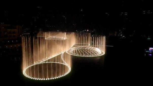 Фонтан Дубай – самый большой фонтан в мире