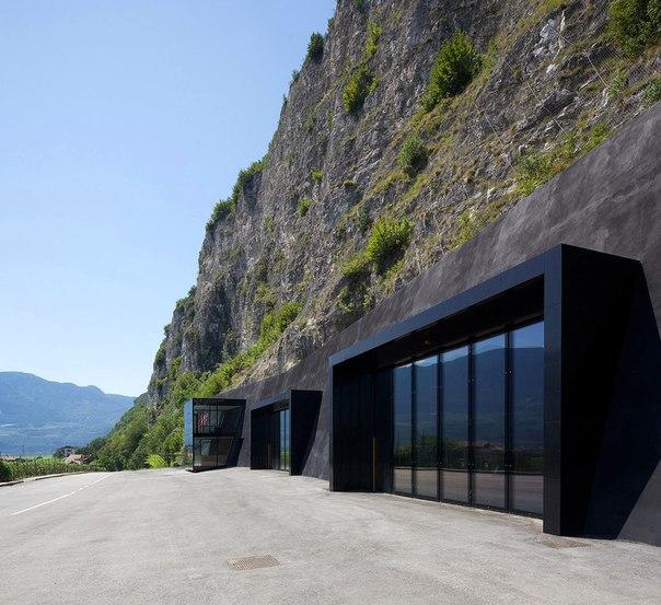 Архитектура и интерьер пожарной части в Италии. Архитектура и интерьер 7