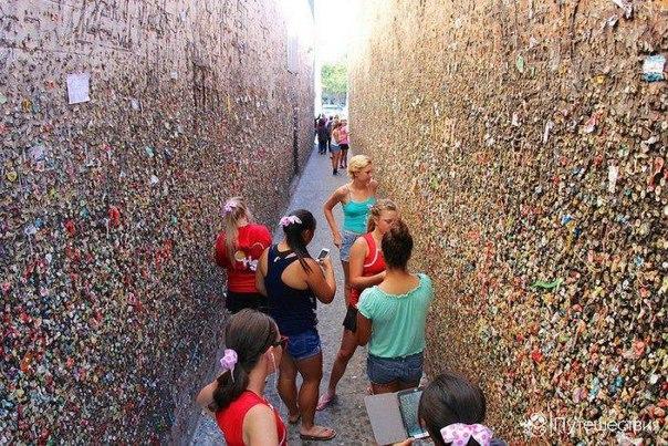 Достопримечательности США: стены жевательных резинок. Достопримечательности США 9