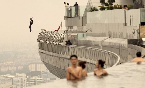 Отель Marina Bay Sands, бассейн под облаками. 16491.jpeg
