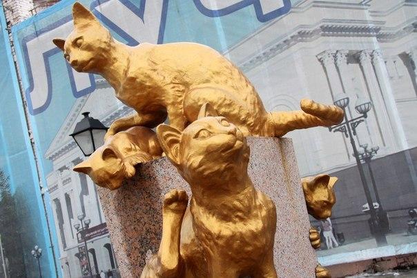 Сквер Сибирских кошек: память о великом подвиге маленьких животных. Сквер Сибирских кошек: память 2