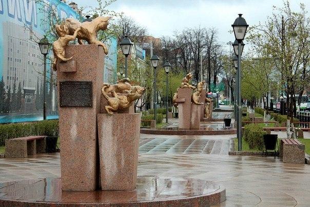 Сквер Сибирских кошек: память о великом подвиге маленьких животных. Сквер Сибирских кошек: память 3