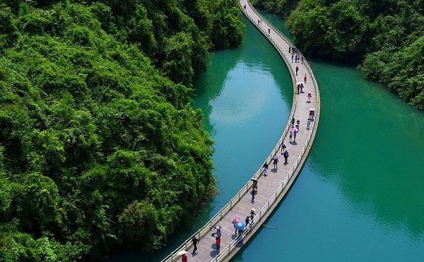 Aллея над водoй в Kитаe. 16506.jpeg
