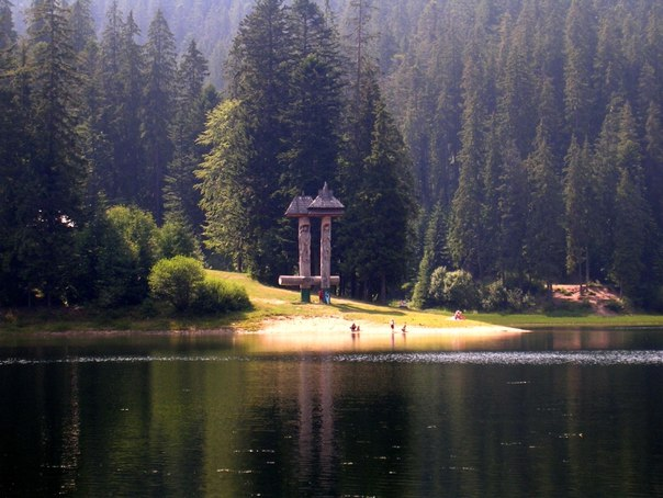 Синевир - самое красивое озеро Украинских Карпат
