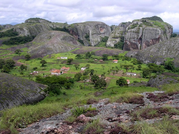 Чёрные камни Пунго-Андонго. Чёрные камни Пунго-Андонго 4