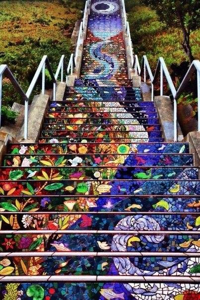 Самая длинная лестница из мозаики
