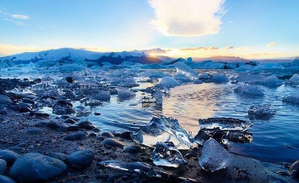 Ледниковое озеро Йокульсарлон в Исландии. Ледниковое озеро Йокульсарлон 2