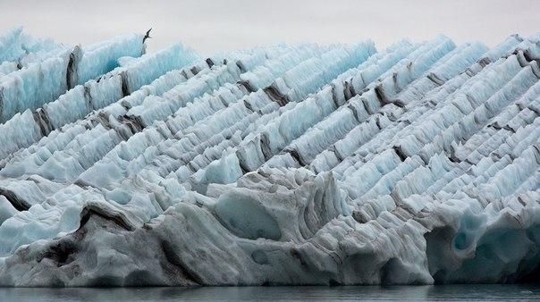 Ледниковое озеро Йокульсарлон в Исландии. Ледниковое озеро Йокульсарлон 8