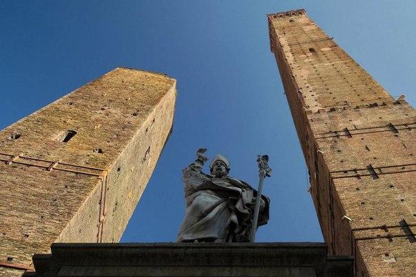 Средневековые башни Болоньи. Средневековые башни Болоньи 1