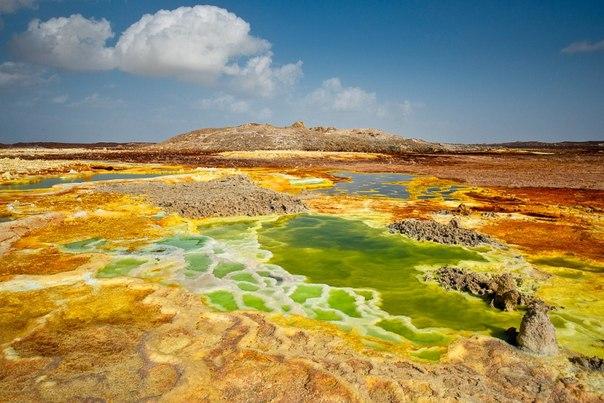 Неземные пейзажи вулкана Даллол (Эфиопия)