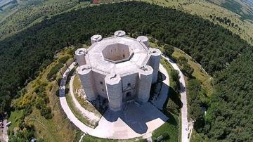 Замок Кастель-дель-Монте в Андрии